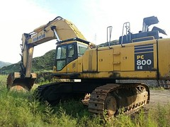 komatsu PC800-7 (Kitmondo.com) Tags: colour building industry truck work photo big construction industrial factory technology tech image outdoor working tracks large machine mining equipment machinery labour kit heavy komatsu scoop heavymachinery digger construct heavyduty