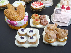 Miniature Bakery Set (https://www.etsy.com/shop/KawaiiCraftCottage) Tags: birthday christmas party food 6 scale yellow fruit pie bread tokyo 1 miniatures doll display cabinet anniversary small jenny barbie fake dal mini celebration patisserie gift bakery buns tiny pastry tray pullip blythe 16 pastries tart licca dollhouse playfood momoko chouxcream lati obitsu jdoll jerryberry