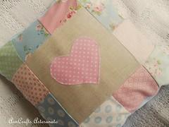 Almofada Corao VII (AnnCrafts Artesanato) Tags: heart linen amor pillow corao patchwork tilda decorao almofada linho