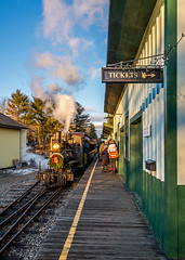 Take the last train to Sheepscot (kdmadore) Tags: railroad victorian steam waterville locomotive farmington wwf wiscasset alna sheepscot twofoot wwfry10