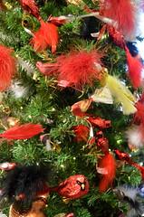 Red Birds [Nuremberg - 7 December 2014] (Doc. Ing.) Tags: christmas red birds germany bayern bavaria market nuremberg christmasmarket christmastree christkindlesmarkt nürnberg 2014 mittelfranken middlefranconia käthewohlfahrt