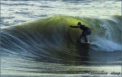 ....essere in onda!..... (leon.calmo) Tags: canon surf versilia onde fortedeimarmi eos50d maremosso leoncalmo