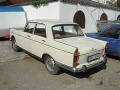 Peugeot 404 (Norbert Bnhidi) Tags: car bulgaria vehicle sunnybeach peugeot bulgarie bulgarije bulgarien sonnenstrand  bulgria slanchevbryag   slantchevbriag slantschewbrjag  napospart slnevbrjag slantsjevbrjag