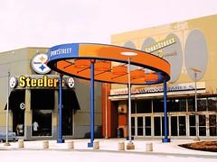 Pittsburgh Mills (e r j k . a m e r j k a) Tags: mall pennsylvania storefront steelers galleria allegheny posterize pa28 tarentum pittsburghmills erjkprunczyk