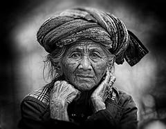 Dadung Lingsir (jeffrijaffar_photography) Tags: portrait bw bali canon indonesia blackwhite asia oldlady usm ubud balinese dsir tegallalang ef300mm canon1dx