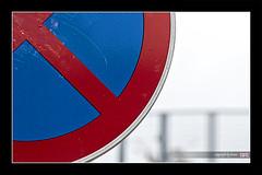 stand_by_me (alamond) Tags: park sign stand is no parking 7d l usm lennon ef mkii markii 70300 brane llens f456 alamond zalar
