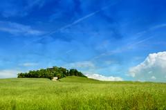 Tra Lazio e Toscana (Fabio Polimadei) Tags: morning italien blue sky italy green field clouds countryside tuscany countryhouse latium