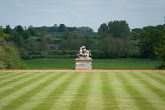 Bowling Green, Rousham (Alan Buckingham) Tags: lawn bowlinggreen eyecatcher rousham lionandhorse peterscheermakers