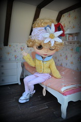 Flower Power Blythe (pe.kalina) Tags: flower felted outfit doll handmade felt clothes blythe dollhouse hairband accesorie accessorie basaak
