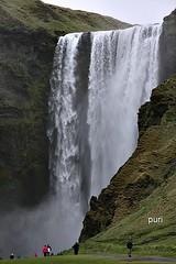 Cascata!!! (puri_) Tags: cascata gua queda espuma salpicos monte aves pessoas picmonkey islndia