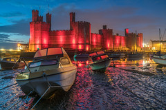 'Welsh Pride II' - Caernarfon Castle (Kristofer Williams) Tags: red castle wales landscape boat twilight nightscape yacht dusk quay caernarfon caernarfoncastle cadw