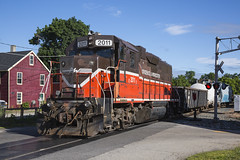 2016-06-09 0732 P&W 2011 on PR-3, Valley Falls, RI (jimkleeman) Tags: rhodeisland pw