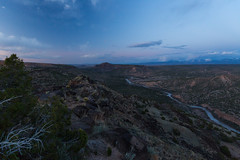 Mighty Rio Grande ([ raymond ]) Tags: above blue newmexico southwest river evening big twilight dusk scenic valley riogrande americansouthwest img7611