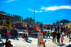 (TaMiMi Q8) Tags: travel winter sky people snow ski turkey skiing istanbul snowing borsa istanbultravel flickrtravelaward