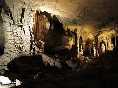 """Konglor cave <a style=""""margin-left:10px; font-size:0.8em;"""" href=""""http://www.flickr.com/photos/83080376@N03/15953219575/"""" target=""""_blank"""">@flickr</a>"""