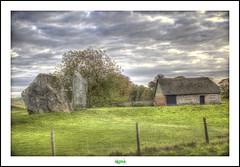 AVEBURY STONE CIRCLES (2) (rgisa) Tags: house tree rock stone circle pierre farm maison arbre ferme avebury cercle