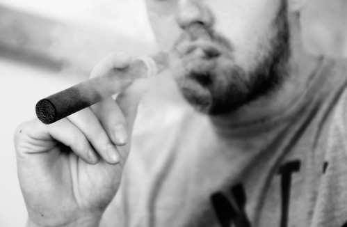 E-Cigarette/E-Cigar/Electronic Cigarette/E-Cigs/E-Liquid/Vaping
