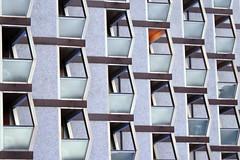 Anglų lietuvių žodynas. Žodis architecture reiškia n 1) architektūra; 2) struktūra, sandara lietuviškai.
