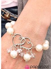 5th Avenue White Bracelet K1 P9409A-1