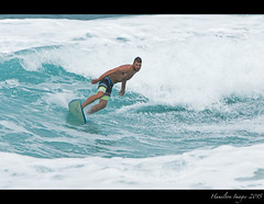 Pipeline Surfer (Hamilton Images) Tags: beach canon hawaii surf waves oahu famous january surfing northshore surfers 500mm banzaipipeline ehukaibeachpark 2015 14xteleconverter img0722 7dmarkii
