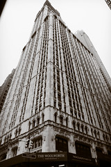 Woolworth Building, Civic Centre, Lower Manhattan (Jeffrey) Tags: street city nyc newyorkcity urban ny newyork building architecture buildings design spring downtown manhattan may cities civiccentre lowermanhattan woolworthbuilding downtownmanhattan 2016 may2016 spring2016