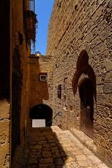 Isral / Alley in old Jaffa   2/2 (Pantchoa) Tags: telaviv jaffa vieuxjaffa ruelle murs pierre maisons nikon d7100 1685 borddemer vielle porte vieillespierres faades arcade