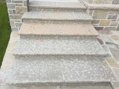 Mill Creek Patterned Flag with Rockfaced Stair Treads (Buechel Stone) Tags: stone naturalstone stonemasonry outdoorliving buildingstone stoneveneer stoneexterior thinveneer buechelstone fullveneer exteriorstoneveneer stoneveneerexterior