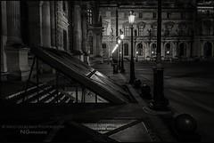 Paris n70 Louvre at night (Nico Geerlings) Tags: paris france louvre 28mm parijs musedulouvre louvremuseum elmarit nicogeerlings leicammonochrom ngimages nicogeerlingsphotography