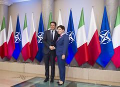 Renzi con il Primo Ministro della Repubblica di Polonia Beata Szydlo (Palazzochigi) Tags: matteo nato beata renzi presidentedelconsiglio szydlo