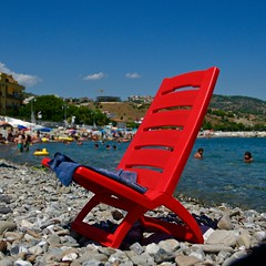 the red summer (point camera) Tags: chair red rosso sea summer sedia sun
