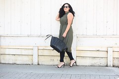 Shirtdress over Leggings (GirlWithCurves) Tags: taneshaawasthi girlwithcurves curvy plussize shirtdress outfitideas plussizeblog curlyhair