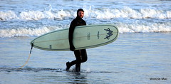 MCTAVISH SURFBOARD (mootzie) Tags: sea beach surfer surfing aberdeen longboard leash mctavish wetsuit