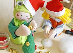 Arremate a ponta com uma bolinha de bijuteria, uma miçanguinha, o que tiver à mão. (BoniFrati) Tags: tree cute natal diy craft árvore tutorial pap molde passoapasso bonifrati craftchristmas natalcraft