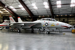 United States Navy | Grumman F-14A Tomcat | 160684 | Pima Air & Space Museum (Dennis HKG) Tags: museum plane canon airplane airport fighter f14 aircraft military navy 1d usnavy usn topgun tomcat grumman 24105 planespotting 160684