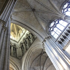 Crossing Tower (oxfordblues84) Tags: france building architecture europe cathedral interior piers ceiling rouen vault vaults frenchgothic catholiccathedral seinemaritime frencharchitecture rouencathedral hautenormandie cathedralinterior crossingtower roadscholar uppernormandy