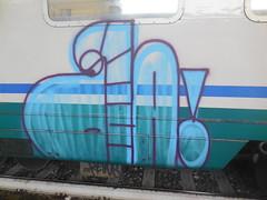 542 (en-ri) Tags: train writing torino graffiti bacon ba viola azzurro faccia faccina nocab nokab