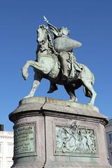 Bruxelles, place Royale, statue questre de Godefroy de Bouillon (Ytierny) Tags: statue vertical bronze cheval place belgique cit bruxelles capitale brussel ville royale equestre flamande godefroydebouillon ytierny