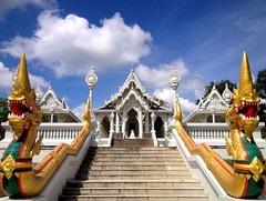 White temple (PeterCH51) Tags: white building stairs thailand religious temple dragon buddhist symmetry harmony wat krabi tempel kaew iphone earthasia watkaew wararam peterch51 kowararam kaeokowararam