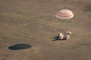 Soyuz_TMA-20_landing