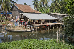 Cambodian Dwellings - Photo #35 (doug-craig) Tags: travel usa countryside nikon cambodia stock culture photojournalism korea siemreap journalism tonlesap dwellings d700 dougcraigphotography