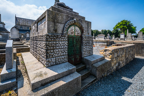 MOUNT JEROME CEMETERY AND CREMATORIUM IN HAROLD'S CROSS [SONY A7RM2 WITH VOIGTLANDER 15mm LENS]-117061