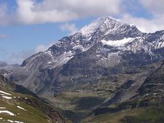 Pizzo Tamb (Marco MCMLXXVI) Tags: travel cliff mountain tourism clouds landscape switzerland view outdoor hiking summit vista montagna grigioni sooc pizzotamb tamb pizzouccello
