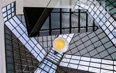 Try to keep it safe (thewhitewolf72) Tags: museum lampe chaos fenster decke luxembourg spiegelung oben ei vitrine schaukasten schtzen museumfrmodernekunst ieohmingpei hlle bewahren eizelle mudam leuchtendemitte