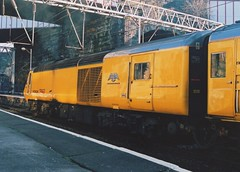 "Network Rail Class 43, 43089 ""Hayabusa"" (37190 ""Dalzell"") Tags: yellow liverpool nr limestreet nmt hst hayabusa highspeedtrain networkrail class43 intercity125 43089 newmeasurementtrain testtrain doctoryellow brelcrewe"