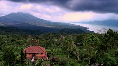 Bali Vulcano (Seupho) Tags: trees friends wild bali storm nature forest canon landscape see backpacker epic vulcano g7x