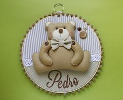 Enfeite para porta de maternidade - ursinho (Meia Tigela flickr) Tags: artesanato artesanal porta beb nome manual feltro menino urso texto enfeite ursinho personalizado catavento pendurar bastidor