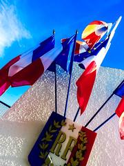 2014-11-11 - Lorette (Robert - Photo du Jour) Tags: france novembre drapeau 2014 bleublancrouge lorette patrie unjourunevue