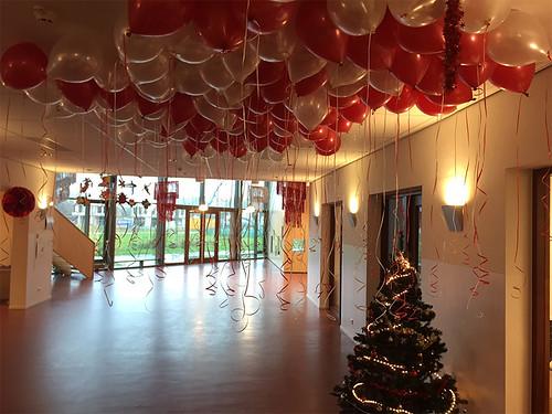 2304-heliumballonnen-ballonnenplafond-rood-wit