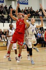 Keflavk vs Haukar (David Eldur) Tags: game basketball dominos haukar leikur keflavk krfubolti karfanis slturhsi karfan