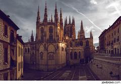 Catedral de Burgos (javibravo.com) Tags: light sunset espaa luz architecture atardecer photography spain arquitectura bravo catedral javier burgos fotografa